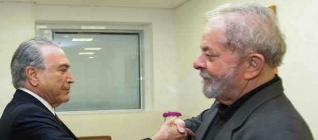 Temer visita Lula e é hostilizado em hospital