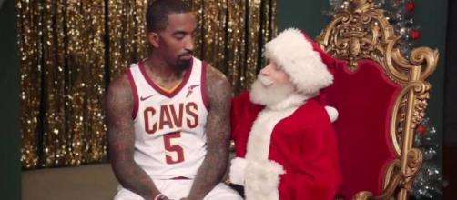 Christmas Day Publicidad en TV ESPN: Funworks, The Corner Shop - coloribus.com