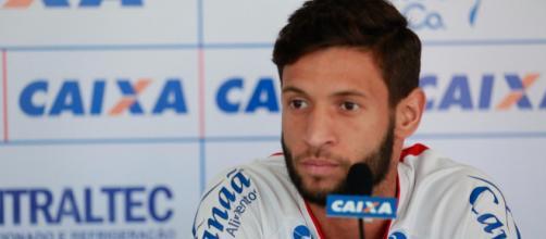 Enfim o Corinthians conseguiu fechar com lateral Juninho Capixaba.