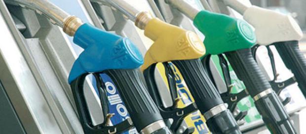 Giave: benzina a 50 centesimi ed esenzione dell'Iva - forlitoday.it