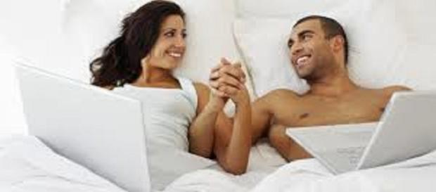 Más de un tercio de las parejas que cohabitan y una quinta parte de los cónyuges han reavivado su relación romántica actual