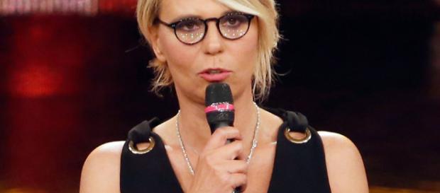 Sanremo 2017, Maria De Filippi: piccolo incidente dietro le quinte ... - retenews24.it