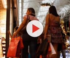 Consumidor brasileiro se adapta às mudanças na economia.