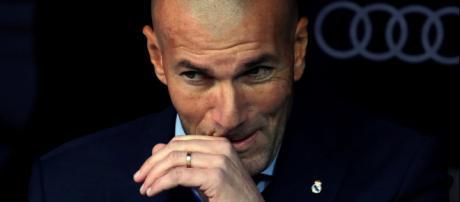 Zidane estuda várias hipóteses para o Real