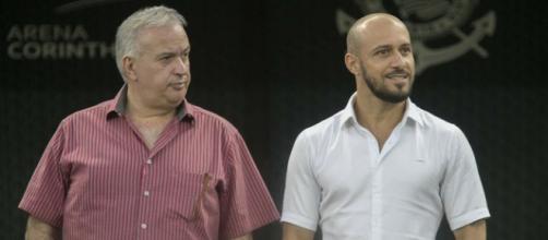 Diretoria do Corinthians continua em busca de reforços no mercado