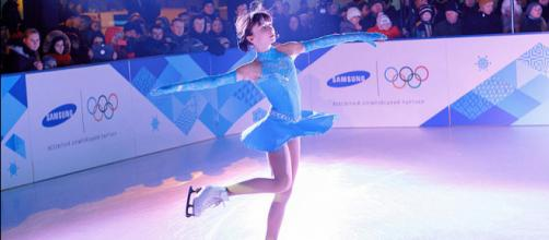 Figure skating on synthetic ice rink (Image credit – XTRAICE Ecological ice, Wikimedia Commons)