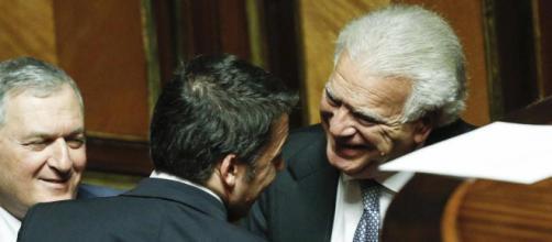 I leader di Ala, Denis Verdini e Vincenzo D'Anna, insieme a Matteo Renzi