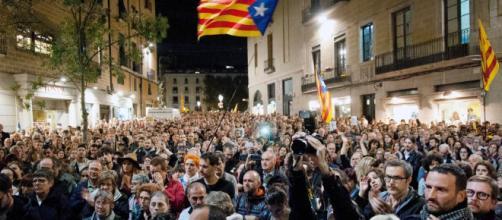 LA SEXTA TV | Multitudinarias concentraciones en el Parlament y ... - lasexta.com