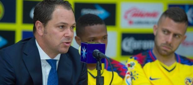 Baños dio información sobre el futbolista que están jugando.