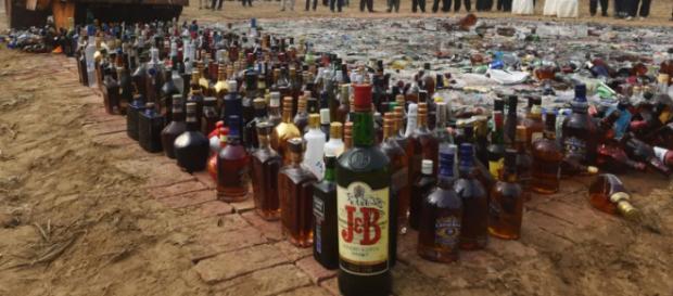 El alcoholismo es un padecimiento que genera una fuerte necesidad y ansiedad de ingerir alcohol.