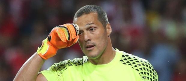 Júlio César foi anunciado como novo reforço do Flamengo