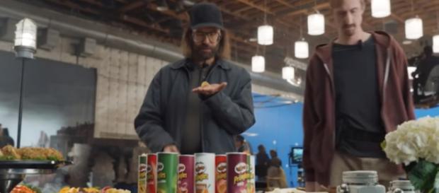 Pringles Super Bowl 2018 commercial [Image via CommercialTime on YouTube]