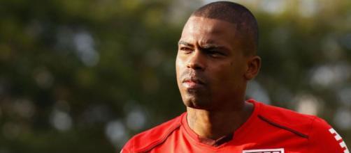 Jogador fez apenas um jogo pelo São Paulo na temporada