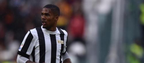 Juventus, infortuni per Douglas Costa e Bernardeschi