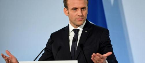 Pourquoi Macron veut un plan de départs volontaires pour 120 000 ... - leparisien.fr