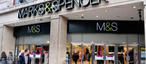 Seis tiendas cerrarán en abril, incluyendo Birkenhead, Bournemouth y Durham.