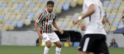 Gustavo Scarpa segue sem apresentar no Fluminense (Foto: Extra)