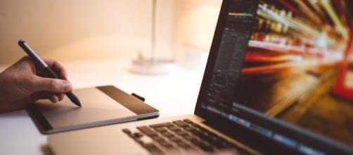 Imagen gratis: Diseñador, ordenador portátil, teclado de ... - pixnio.com