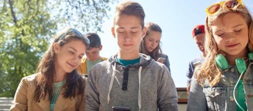 Jóvenes y comunidades virtuales: ¿nuevos espacios de inclusión ... - aikaeducacion.com