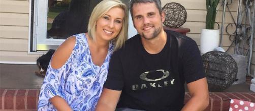 Ryan Edwards poses with wife Mackenzie Standifer. [Photo via Instagram]