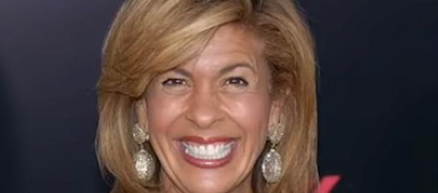 Hoda Kotb is getting only a fraction of the salary that Matt Lauer got [Image: The View/YouTube screenshot]