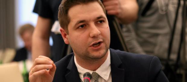 Patryk Jaki ostro wygarnął eurokratom po skandalicznym potraktowaniu Polski (foto: dziennik.pl)