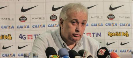 Diretoria do Corinthians anunciou a renovação de três jogadores.