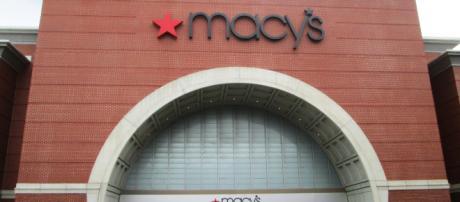 Macy's Storefront on Cherry Street in Burlington, Vermont. [ image credit: Beyond My Ken/ Wikimedia Commons]