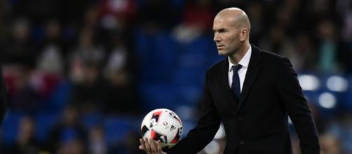 La estrella del mundo del fútbol Zinedine Zidane.