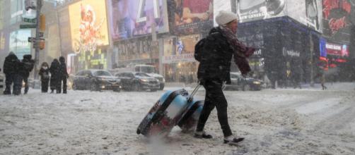 """La ciudad de Nueva York se ve afectada por el """"ciclón bomba"""""""