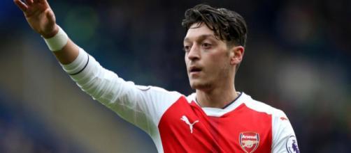 Mesut Ozil va quitter Arsenal ?