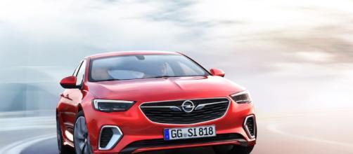 Opel Insignia, la sigla GSi per le versioni più dinamiche e sportive della gamma