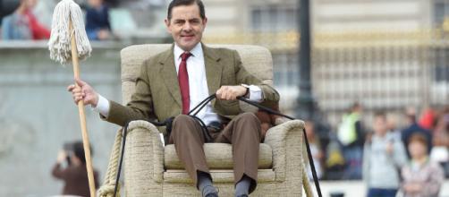Rowan Atkinson celebrates 25 years of Mr Bean by recreating ... - digitalspy.com