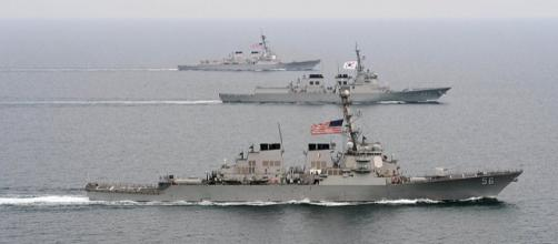 U.S. and Republic of Korea navy ships in military drill (Image credit - Declan Barnes, Wikimedia Commons)