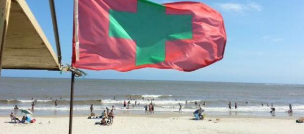 El Escolar • Significado de las banderas en la playa - com.uy