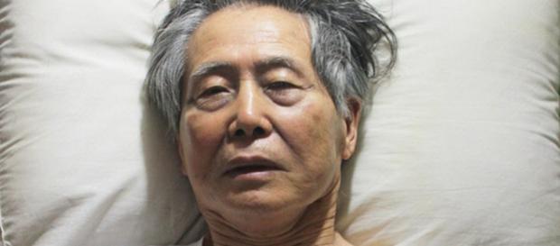Ex-presidente do Peru, Alberto Fujimori deixa clínica após receber indulto de Pedro Pablo Kuczynski.