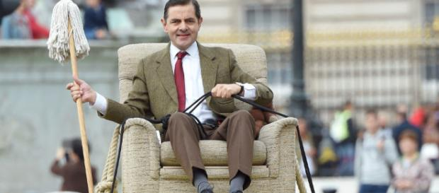 Rowan Atkinson celebrates 25 years of Mr Bean by recreating ... - digitalspy.com