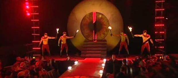 Vídeo mostra Bial fazendo ritual antes de abertura do BBB
