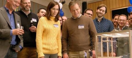 Downsizing': Matt Damon and Kristen Wiig Get Small (Trailer) - refinedguy.com