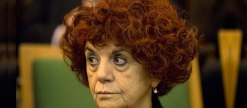Scuola, il ministro dell'Istruzione, Valeria Fedeli è intervenuto sulla questione delle maestre con diploma magistrale.