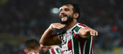 Henrique Dourado recebe proposta do Corinthians e pode ser mais um a deixar o Fluminense (Foto: Globoesporte)