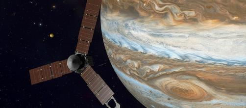 Jupiter and spacecraft Juno/Photo via Kevin Gill/Wikimedia