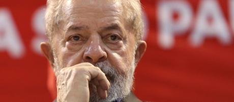 Partido dos Trabalhadores articula movimento para julgamento de Lula.