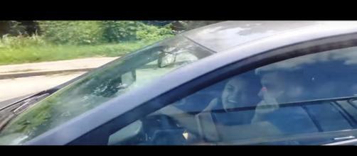 A ação dos ocupantes teve uma reação surpreendente (Foto: Captura de vídeo)