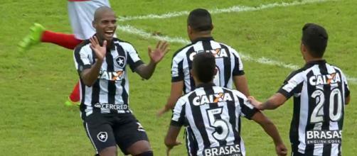 Comemoração do primeiro gol do Botafogo em cima do River-PI na vitória por 7x0