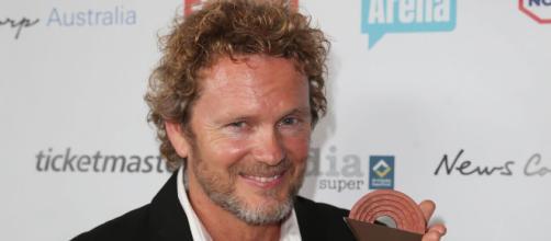 El actor de los vecinos Craig McLachlan niega los reclamos de asalto sexual- sky.com