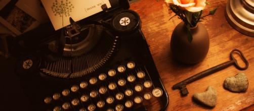 El romance de escribir a la vieja escuela
