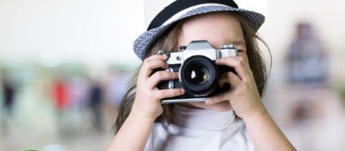 Foto dei figli su Facebook: rischio di forti multe