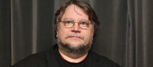 """Guillermo del Toro galardonado con el Globo de Oro como """"Mejor Director""""."""