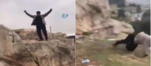 Un fotogramma dell'uomo intento a saltare dalla montagna